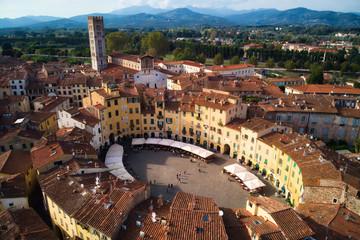 Piazza del Anfiteatro in Lucca