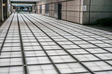 光る床のイメージ