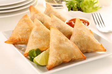 INDIAN SAMOSA        CLOSE UP FOOD IMAGE