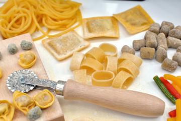 Pasta italiana fatta in casa con ingredienti totalmente biologici