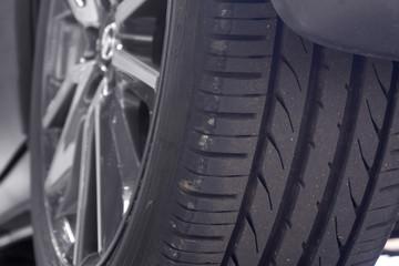タイヤの磨耗 消耗品