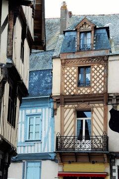 Ville de Laval, maisons colorées à colombages du centre historique, département de la Mayenne, France