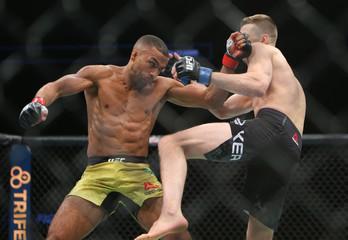 MMA: UFC Fight Night-Milwaukee-Barboza vs Hooker