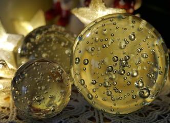 0559 Weihnachtsdekoration Glaskugel mit luftblasen und Leuchtsterne
