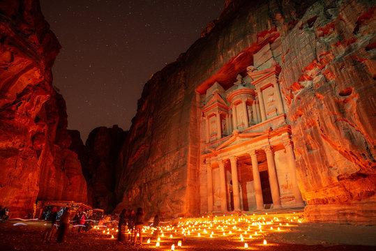 petra jordan the treasury by night candlelight