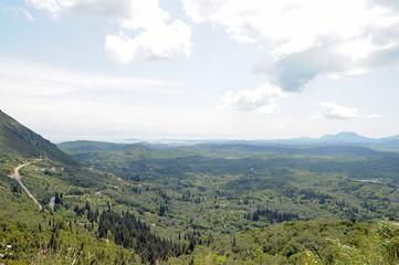 Le nord de l'île vu depuis le château d'Angelokastro près de Paleokastritsa à Corfou