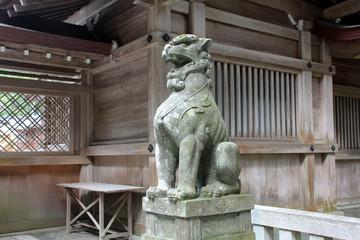 弥彦神社の狛犬(新潟県)