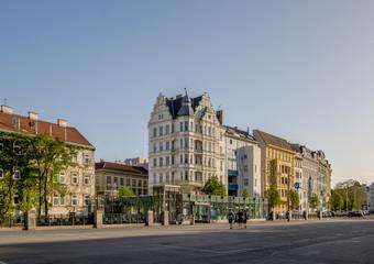 Fototapeta premium Słynny Vienna Naschmarkt wiosną, Austria