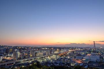 工業都市の夕暮れ