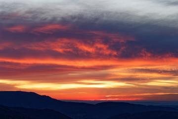 Papiers peints Grenat coucher de soleil sur les Vosges