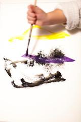 Painting activitie with kid. Malen mit Kind.