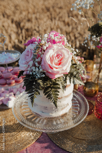 Hochzeitstorte Rosa Stock Photo And Royalty Free Images On Fotolia