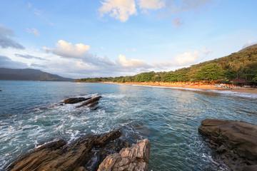 Bela Praia visão panorâmica dia ensolarado litoral norte
