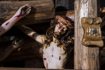 Jesucristo y las manos clavadas.
