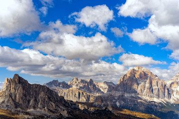 Wall Mural - Colorful scenic view of majestic Dolomites mountains in Italian Alps. Landscape photo of colorful trees and rocky mountains in the the Italian Dolomites during autumn time.