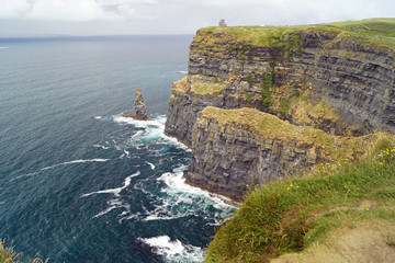 Wild Atlantic Way - Cliffs of Moher - View to O Briens Tower
