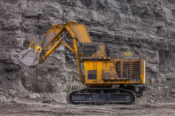 excavator in a coal mine at work