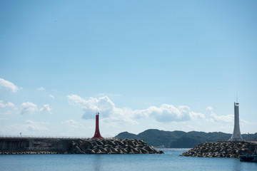 Two lighthouses  On September 25, 2018, a fishing village in Korea was photographed at the breakwater. It is characterized by two lighthouses facing each other.