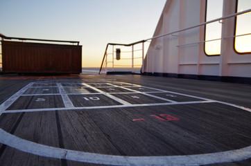 Teakdeck auf Kreuzfahrtschiff