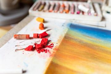 Zerbrochener Stift, Pastellfarben