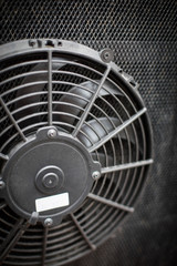Engine cooling fan of a bus
