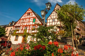 Fachwerkhäuser in der Altstadt Zeltingen an der Mosel