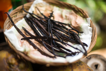 vanilla fruit pod