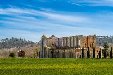 Abbazia di San Galgano vista dall'esterno (Siena - Italia)