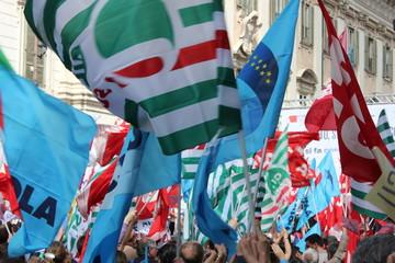 Poster Owl Sciopero manifestazione sindacati cgl isl uil snals gilda