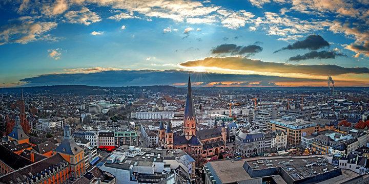 Luftbildaufnahme der Stadt Bonn mit Münster