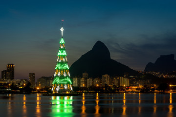 Wall Mural - Christmas Tree in the middle of Rodrigo de Freitas lagoon in Rio de Janeiro city, Brazil