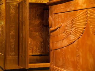 Zugang zu äqyptischer Grabkammer