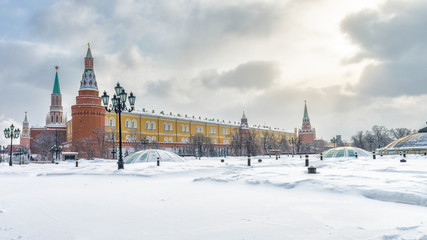 Fototapete - Moscow Kremlin and Manezhnaya Square in winter, Russia