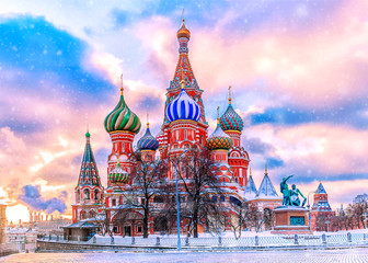 Tuinposter Moskou St. Basil's Cathedral on Red Square in Moscow