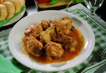 Plato de carne de ternera asada .