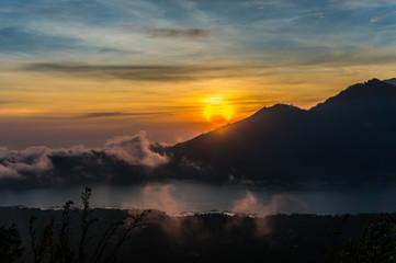 lever de soleil indonésien