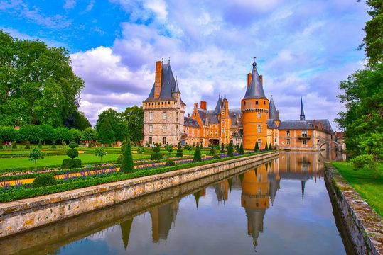 france,eure et loire : maintenon castle & garden