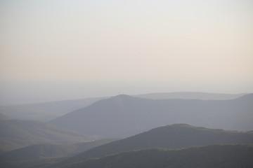 Природа в горах летом на закате