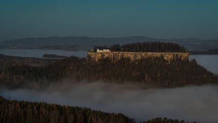 The fortress on the rock - Die Festung auf der Felseninsel