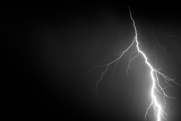 B&W Lightning