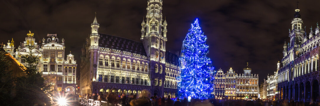 grote markt place on a christmas evening brussels belgium high definition panorama