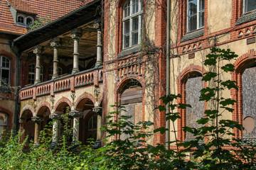 Foto op Plexiglas Oud Ziekenhuis Beelitz Ruins of Beelitz-Heilstätten Lost place Berlin Brandenburg;