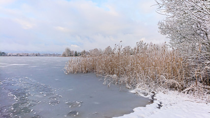 Fototapeta Śnieżna zima w Polsce (warmińsko - mazurskie)