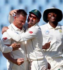 Cricket - South Africa v Pakistan