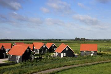 Landschaft mit Ferienhäusern in den Niederlanden