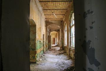 Foto op Canvas Oud Ziekenhuis Beelitz Ruins of Beelitz-Heilstätten Lost place Berlin Brandenburg;