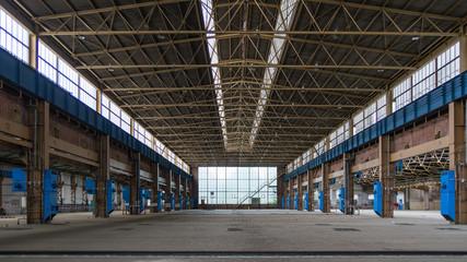 Alte Industriehalle von innen 1