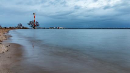 in Blankenese am Strand und am Leuchtturm