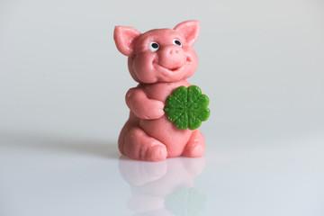 Marzipan-Glücksschwein zu Neujahr, querformat