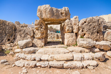 Foto auf Leinwand Kultstatte Mgarr, Malta. Excavations of the Neolithic temple of Ta 'Hajrat, 3800 - 3200 BC. UNESCO list